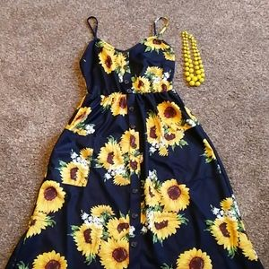 Sunflower dress size medium